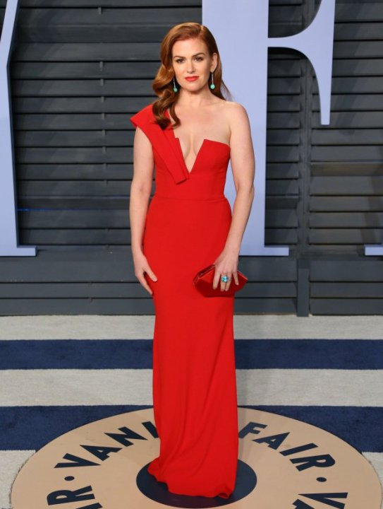 Isla Fisher attends the 2018 Vanity Fair
